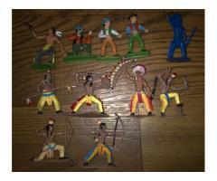 Figurky indiánů a kovbojů
