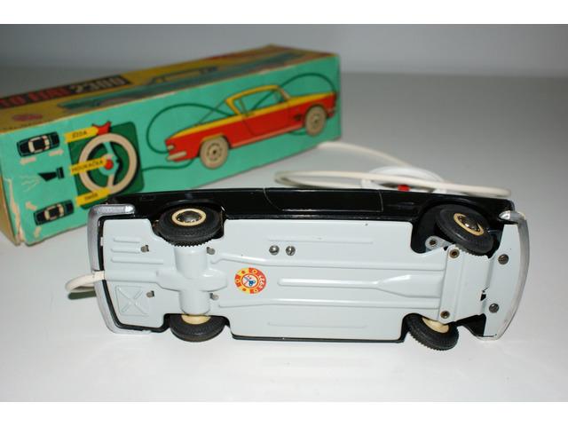 Fiat 2300 ITES na ovládání - stará česká hračka